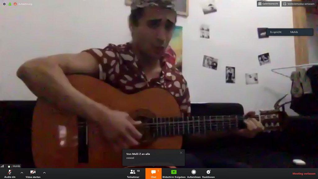 Mohib spielt Elvis Presley